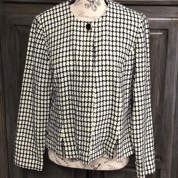 Leslie Fay Jackets & Blazers - Leslie Fay houndstooth short jacket/ blazer